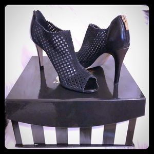 Marc Fisher Open Toe Pump 👠🌟